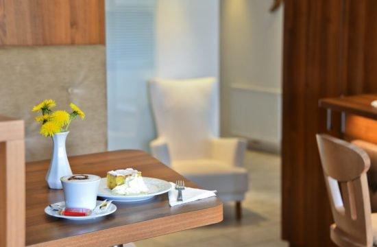 Lounge Bar 03